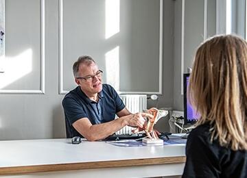 Privat fertilitetsklinik København, morten rådgiver patient